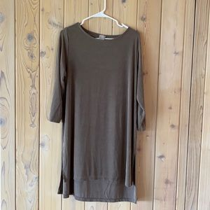 Chico's • Taupe Flattering Fit Dress• Size 12/14